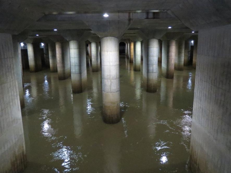 首都圈外郭放水路13日調壓水槽畫面