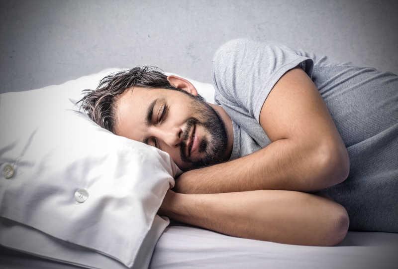 喜歡熬夜不睡覺?不能因為年輕就不注意的事
